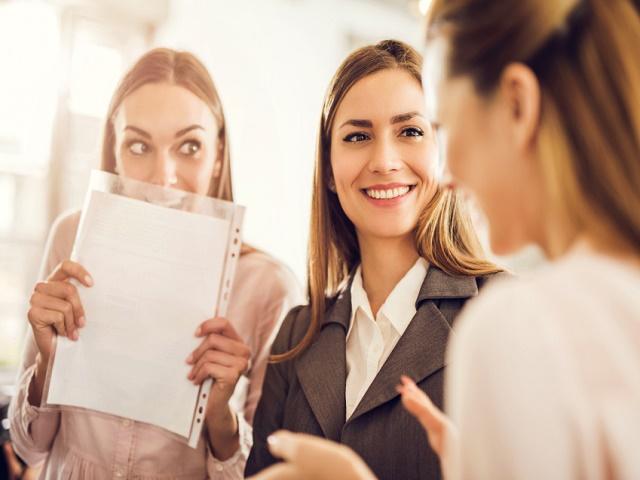 職場の女性たち