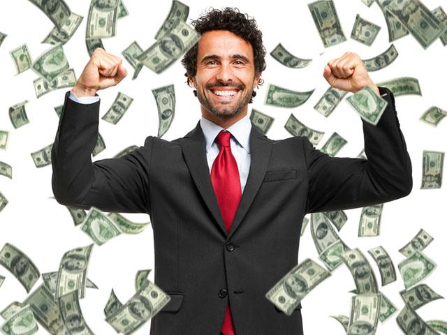 お金を見せつける男性